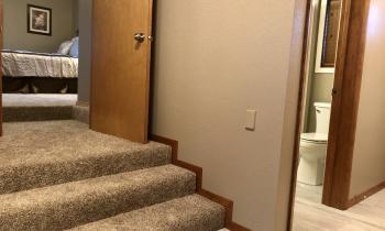 Steps between Selkirk Bedroom and Bathroom